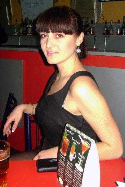 Hot girlfriend - Russian-scammers.com