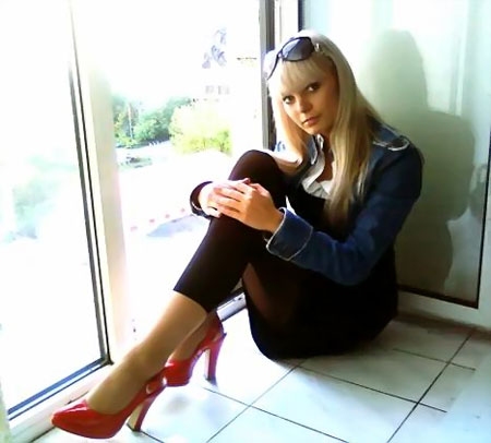 Russian-scammers.com - Sweet talk a girl
