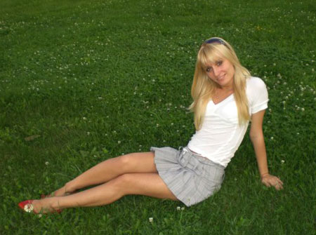 Russian-scammers.com - Young girl